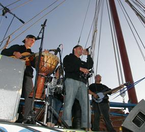 Musiciens sur Notre-Dame de Rumengol - Photo Jean-Yves Goujard